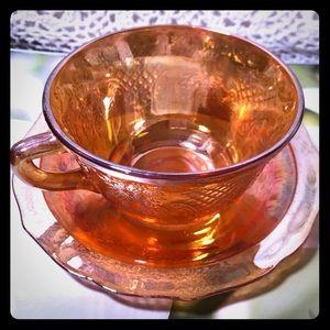 Peachy carnival glass teacup & Saucer, Gorgeous💕